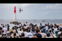 Filmik YouTube - The Great Red Bull Air Race - [1m41s]