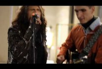 Aerosmith Steven Tyler sang with the street musician Moscow 04.09.2015