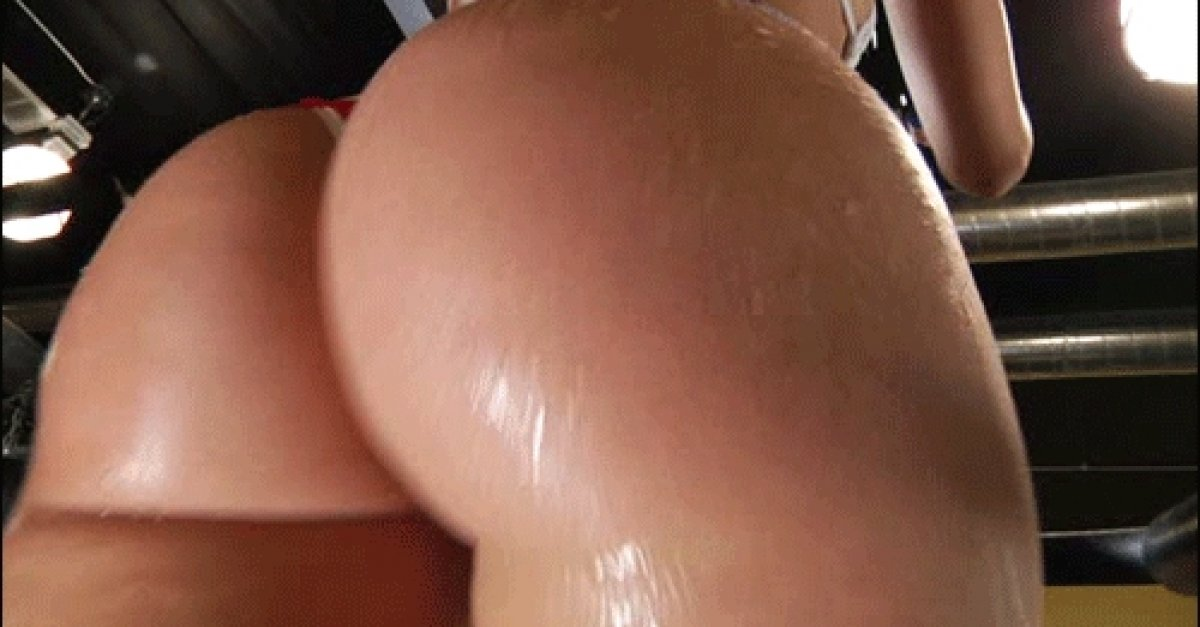 Hot wet naked bubble butt gif