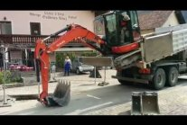Excavator unload from a Truck in a different...