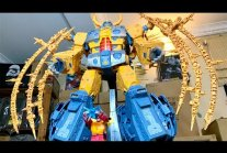 The BIGGEST & Most EXPENSIVE Transformers War for Cybertron Toy