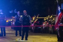 Man killed, woman critically injured in shooting in Humboldt Park, Chicago