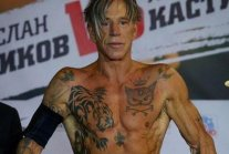Mickey Rourke defeated a boxer 33 years younger than him, and it was...