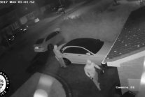 Hackers Steal Mercedes Car Without Key [VIDEO
