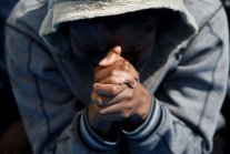 Niewolnictwo wraca do Afryki: Migrants sold at open markets in Libya