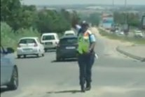 WATCH: Does this traffic officer have the best moves in Mzansi?